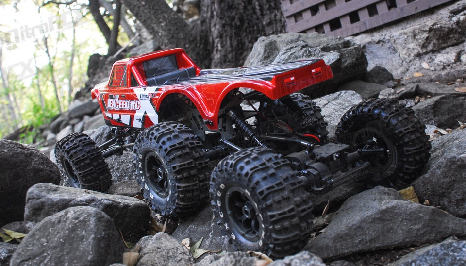 6x6, 3 moteurs, 2 ESC !! 03C20-MadTorque-6X6-Red-RTR-24G-12