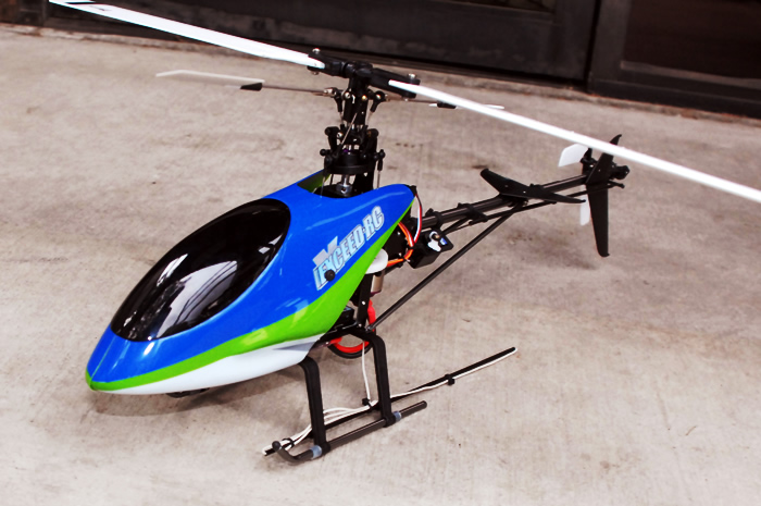 Predator 400 RC Helicopter
